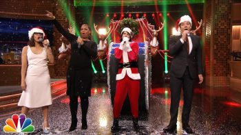 Jimmy Fallon And Rashida Jones Sing Holiday Parodies Of 2015 Pop Music