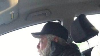Stranger Gives Homeless Man Lunch Everyday