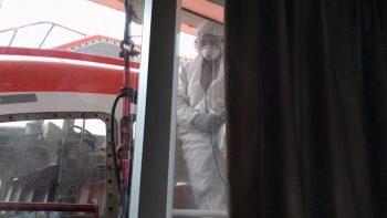 Guy Finds Loud Worker Outside His Luxury Cruise Window