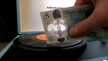 Britain's New Fiver Can Be Used To Play Vinyls