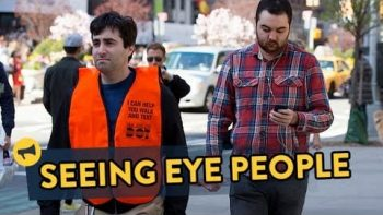 Seeing Eye People For People Texting And Walking Prank