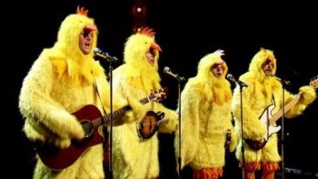 Jimmy Fallon, Blake Shelton, And Nick Offerman Perform 'Ho Hey' Wearing Chicken Costumes