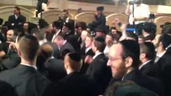 Hasidic Jews Going Gangam Style At Orthodox Wedding