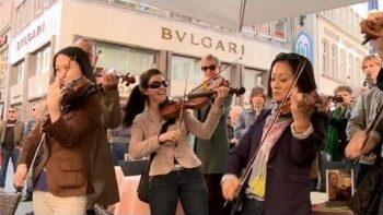 Orchestra Star Wars Flash Mob