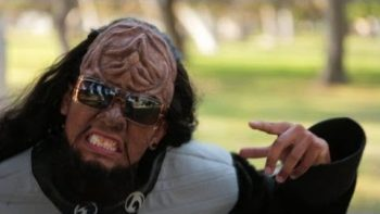 Klingon Gangnam Style Parody Music Video