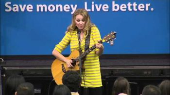 Jewel Performs The Walmart Song FAIL