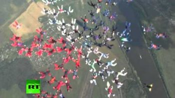 88 Women Sky Divers Flower Formation World Record