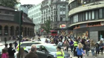 Justin Bieber Chased By Screaming Crazy Mob Of Girls In Oslo, Norway