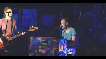 Coldplay Performs Fight For Your Right To Party Tribute To MCA