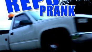 Pretend Repo-Man Pranks Car Owners