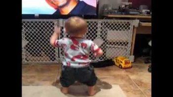 Baby Boy Dances To Will Smith Jiggy With It