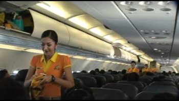 Cebu Pacific Flight Attendants Perform Christmas Themed Safety Demo Dance