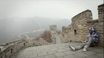 Amazing Dubstep Dancing On The Great Wall Of China