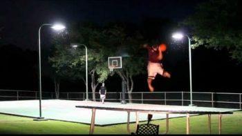 Trick Shot Battle Frisbee VS Basketball