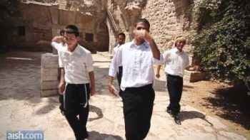 Rosh Hashanah Themed LMFAO Party Rock Anthem Parody