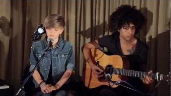Twelve Year Old Bieber Look A Like Sings Edge Of Glory