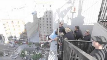 LAPD Save Suicidal Man From Jumping