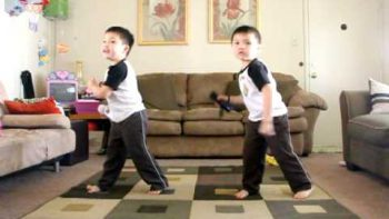 Two Asian Baby Boys Dance To Hey Ya