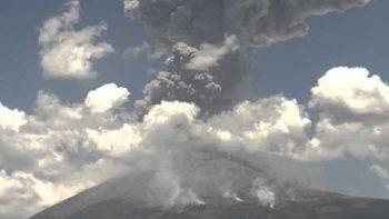 Mexican Volcano Popocatépetl Erupts