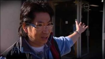 Asian Aquarium Owner Tells Fish Joke After Aquarium Hit By Car