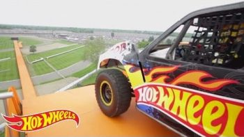 Real Life Hot Wheels Car Breaks Record Jump