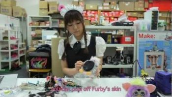 Japanese Girl Hacks Furby