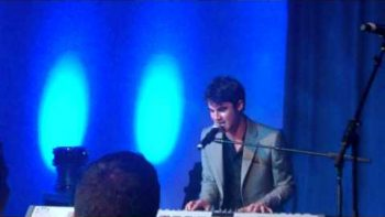 Darren Criss Performs Teenage Dream
