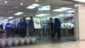No One In Line For Verizon iPhone At Apple Store Opening