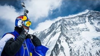 Russian Daredevil Jumps Off Mount Everest