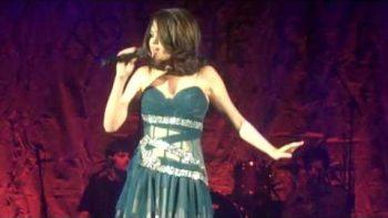 Selena Gomez – Parachute