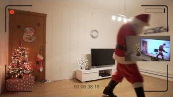 Father Shows Daughter Video Proof Of Santa's Visit